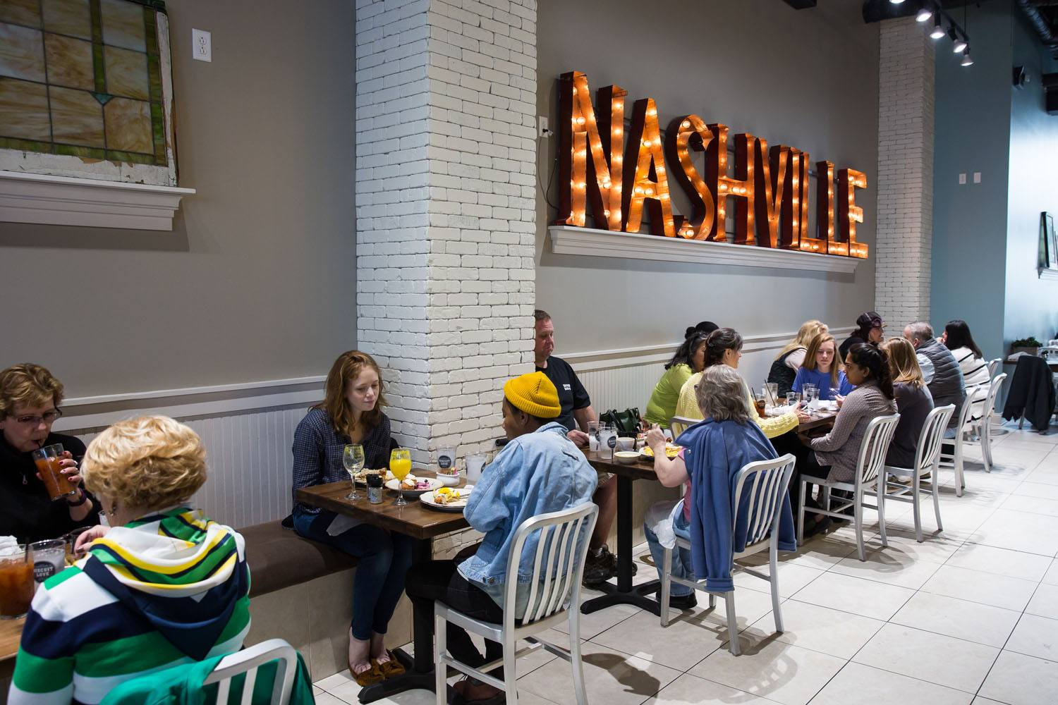 Where to eat in nashville tennessee earth trekkers for Best places for dinner in nashville