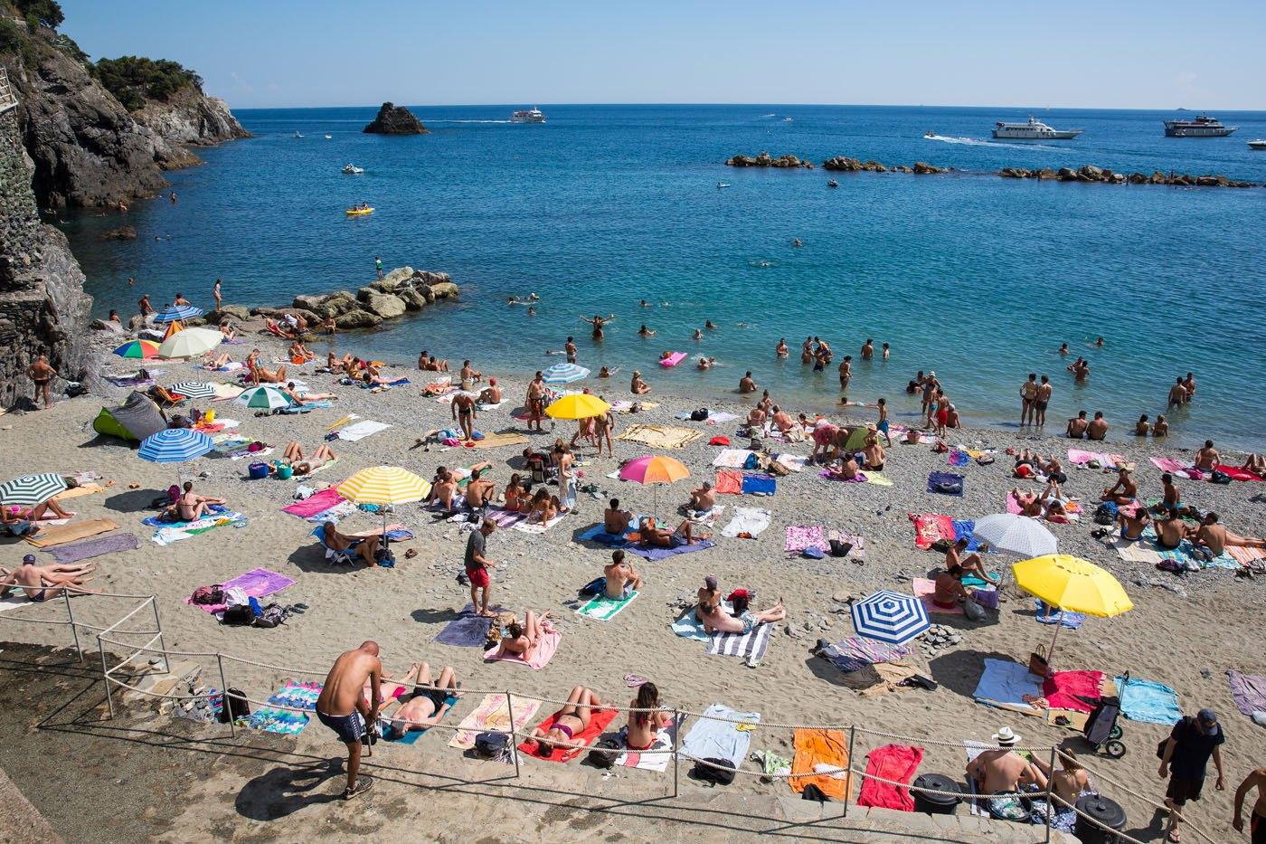 Monterosso Free Beach