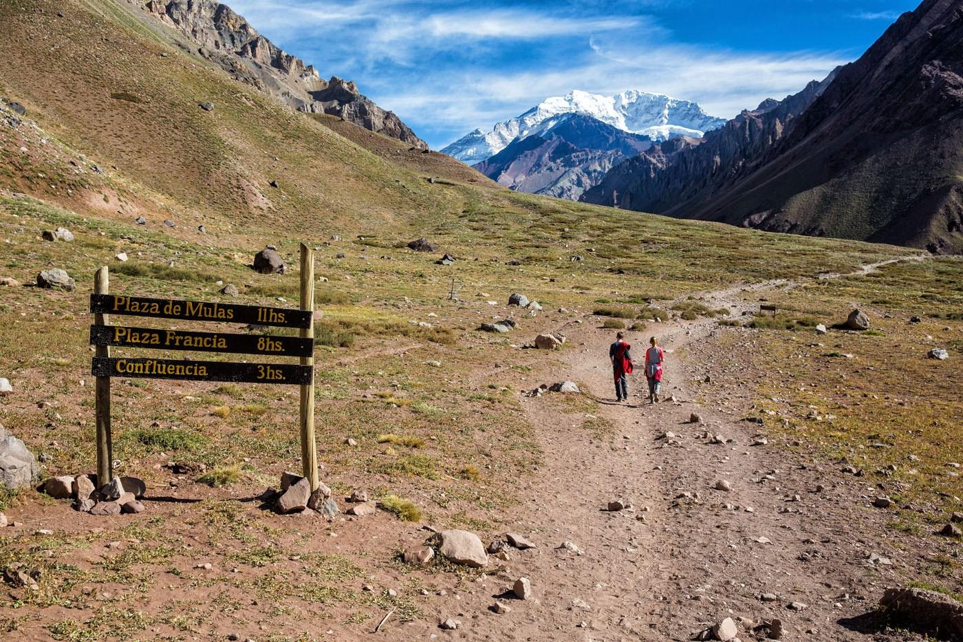 Hiking to Confluencia Aconcagua