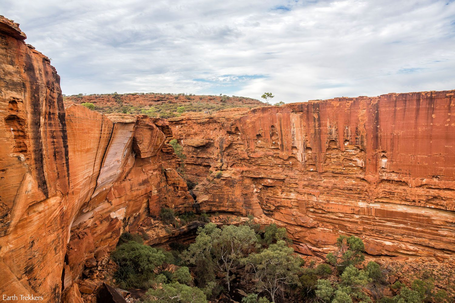 Hiking Kings Canyon Australia