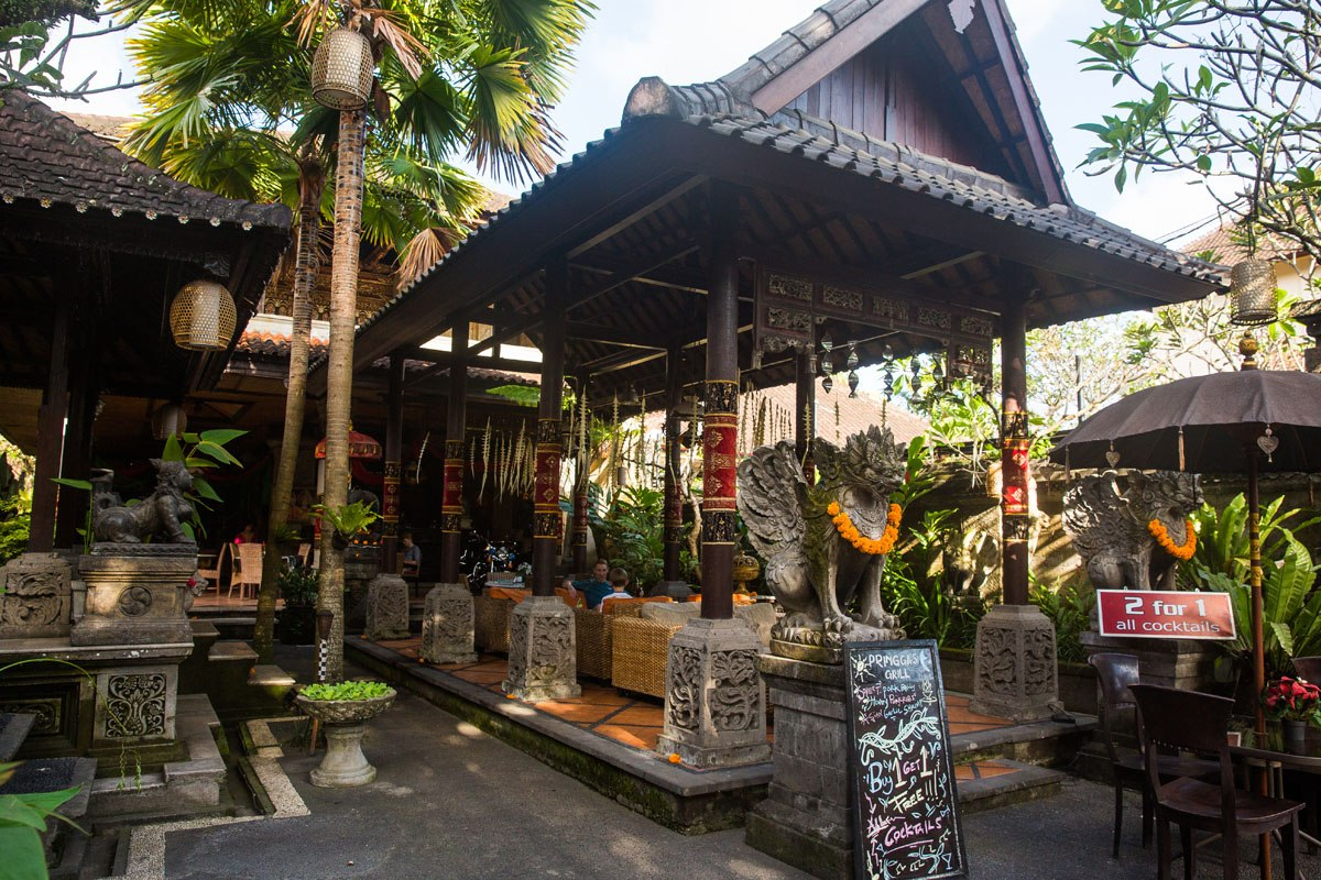 Bar hopping Ubud