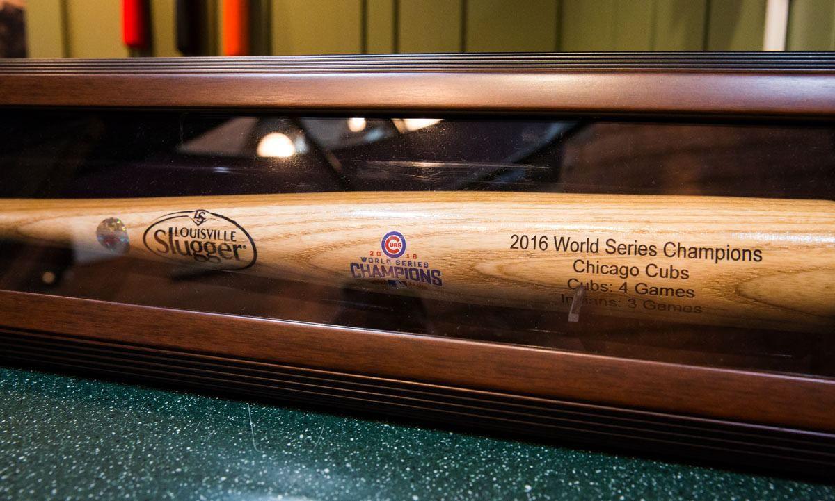 Louisville Slugger bat 2016