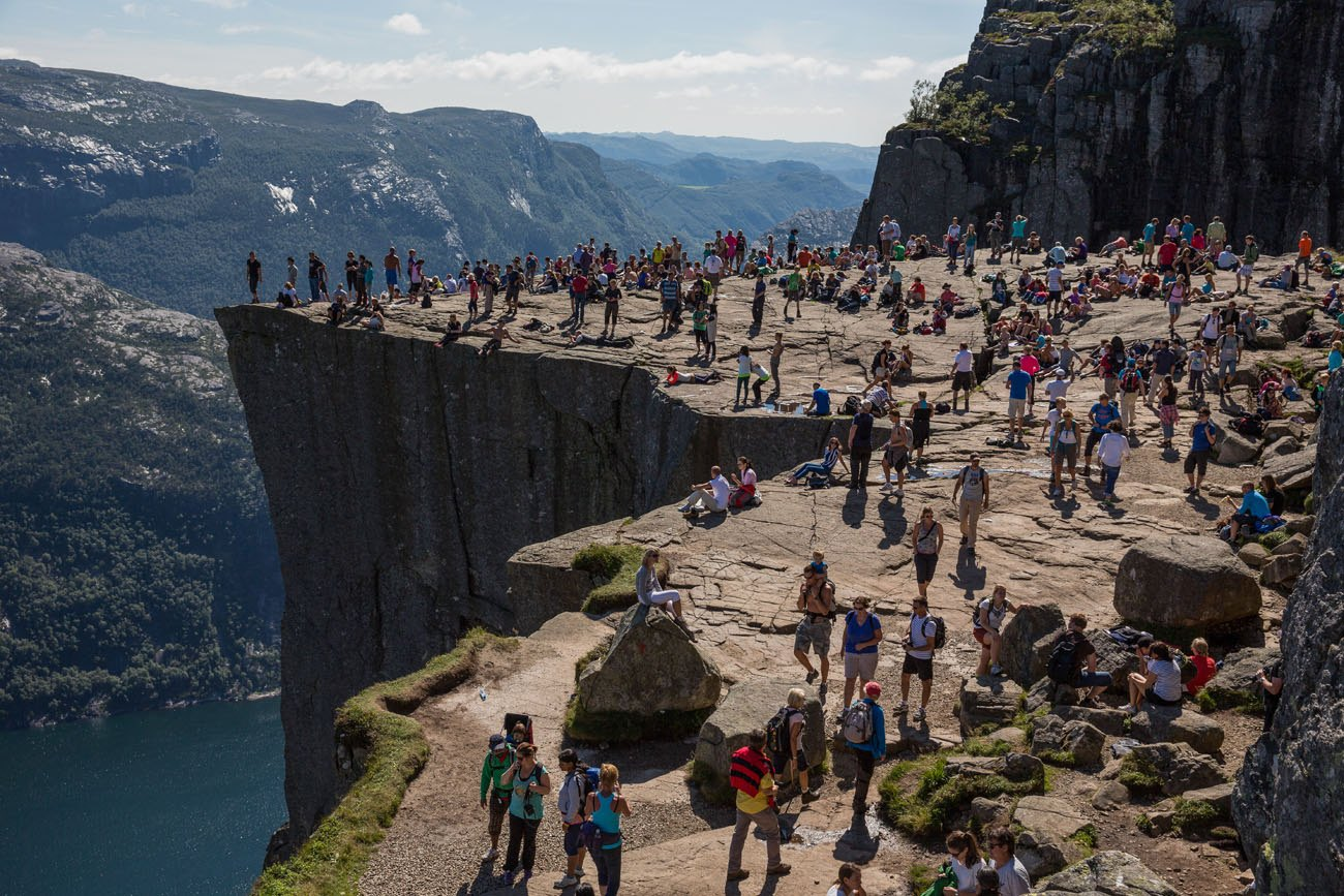 Pulpit Rock crowds