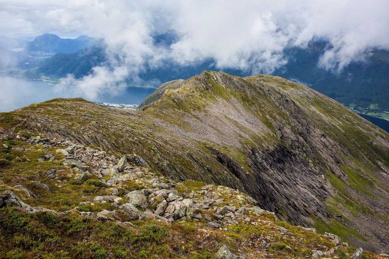 Hike Romsdalseggen