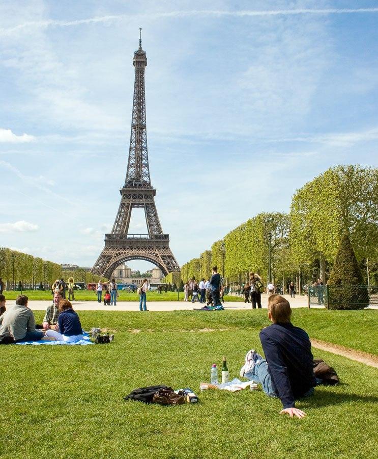 Eiffel Tower Picnic