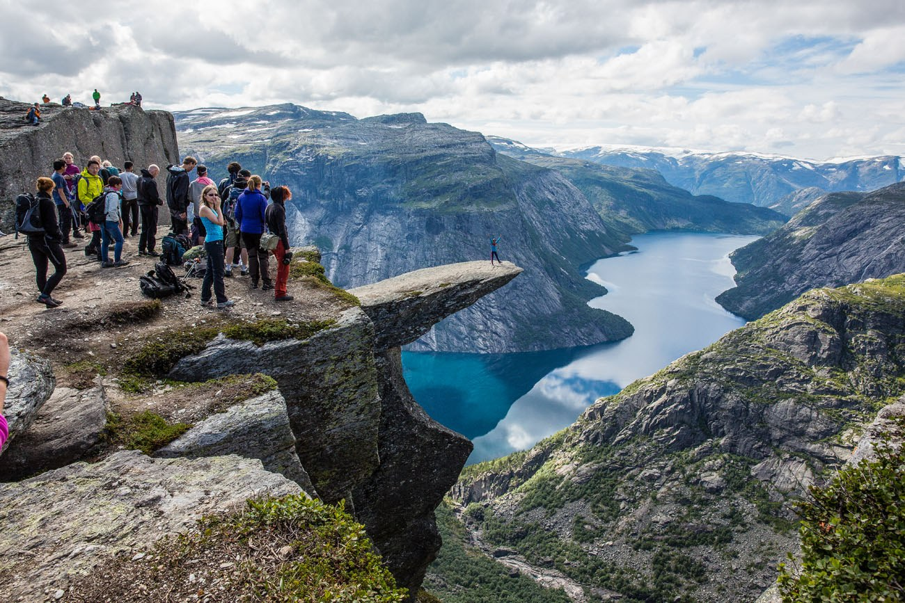 Trolltunga Hiking Guide