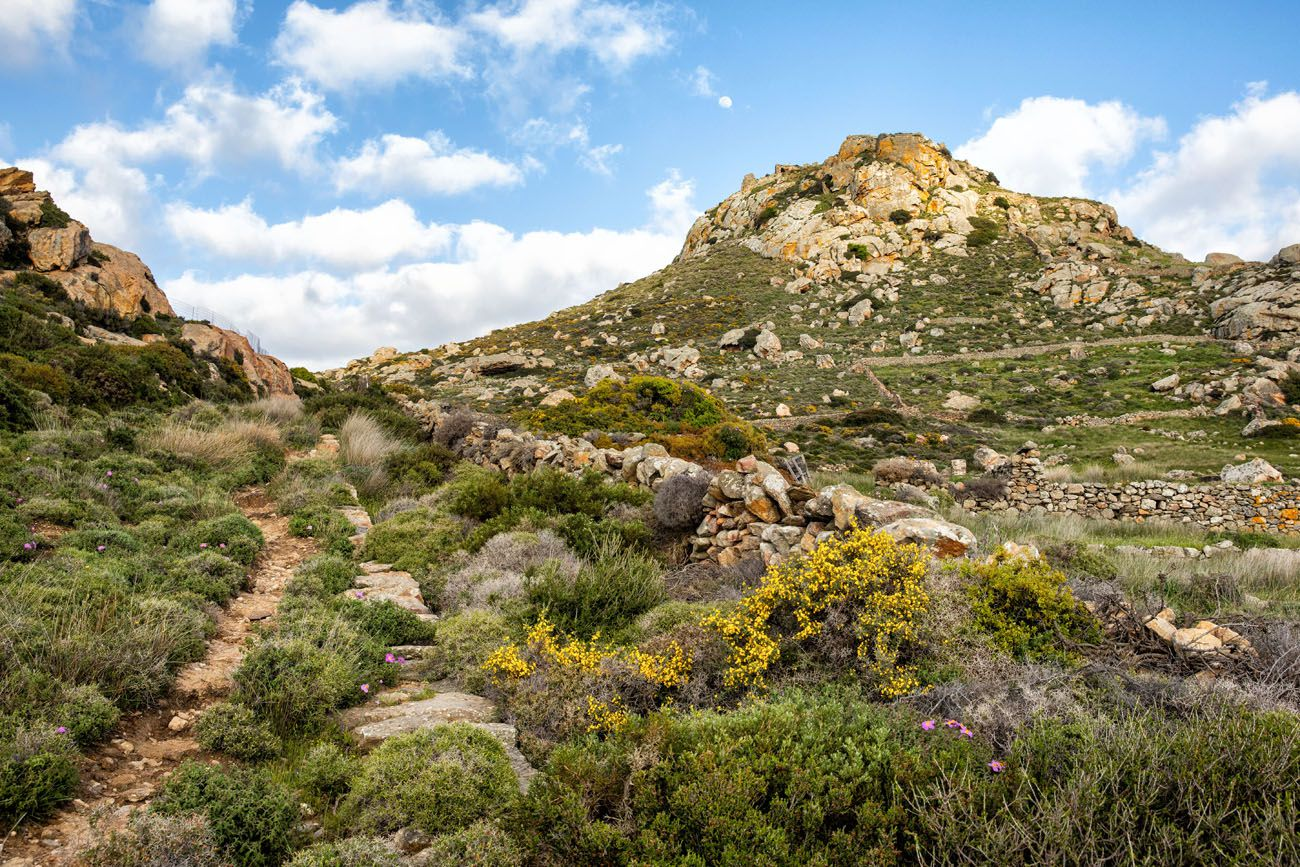 How to Hike Apano Kastro