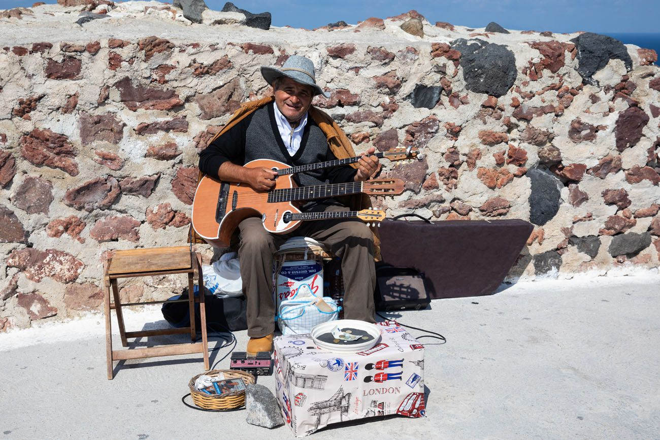 Oia Musician