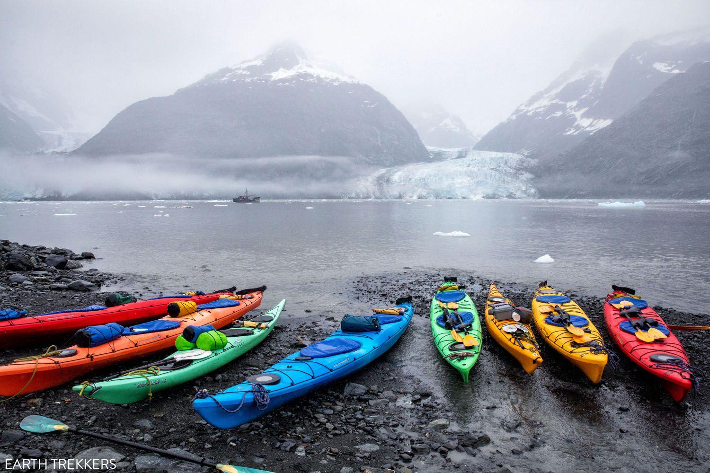 Kayaks Columbia Glacier
